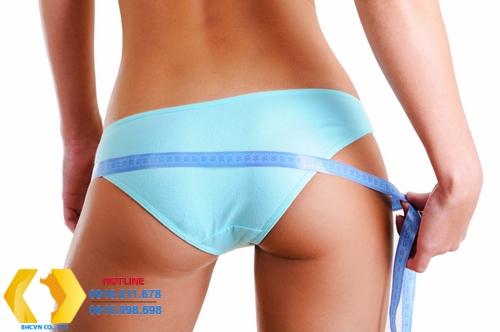 Bơm mông bằng mỡ tự thân có an toàn hơn phẫu thuật đặt túi độn mông không?